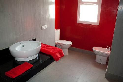 r nover une salle de bain avec un petit budget blog. Black Bedroom Furniture Sets. Home Design Ideas